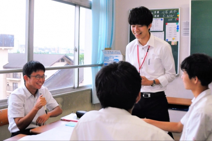 企業人が高校に授業訪問。企業と先生が共に学び合う探究型ワークショップ「第3回CAミーティング」を開催しました。