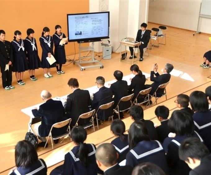 【メディア掲載】西日本経済新聞に幸袋中のキャリア教育の取組みとしてクエストエデュケーションが掲載されました。
